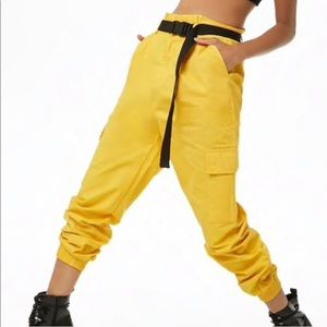 Belted yellow joggers